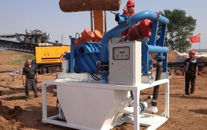 泥浆处理设备的储液机构及电子控制系统