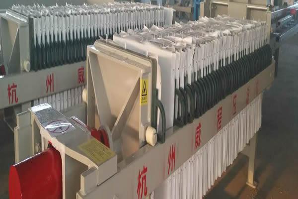 压滤机正常运转过程中滤板的使用细节